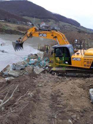 Servicii ,lucrari cu excavatorul